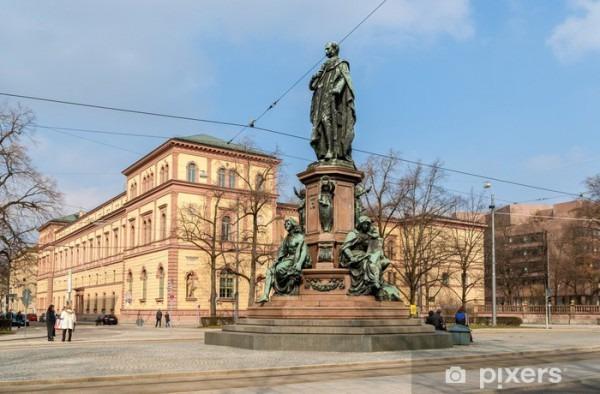 Vinilo Pixerstick Monumento De Maximiliano Ii De Baviera