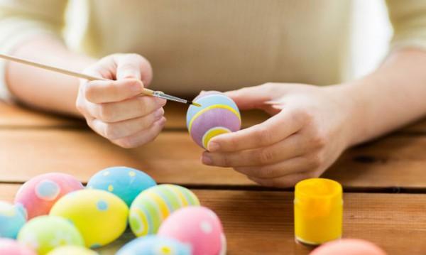 Cómo Pintar Huevos De Pascua De Colores